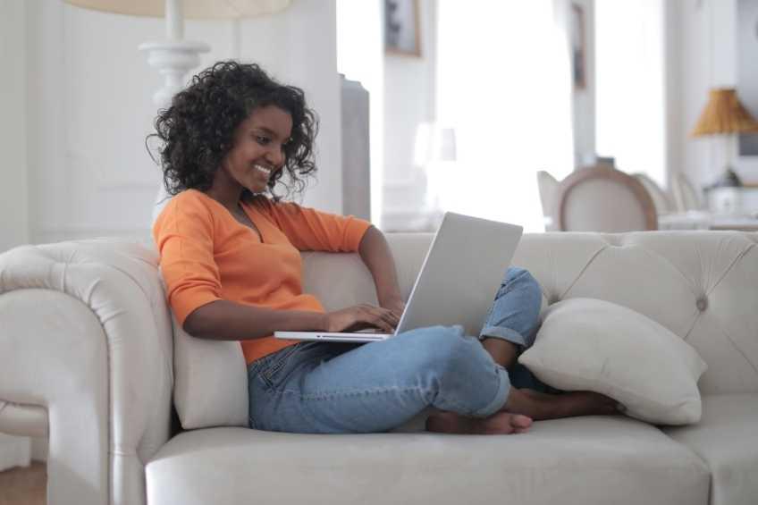 Woman getting her CDA online through ChildSavers training.